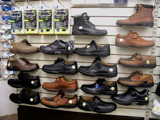 2009_db_shoes_wide